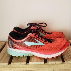 Brooks Ghost 10 Shoes sz 9.5 medium (B)